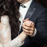 男性が結婚を真剣に考えている